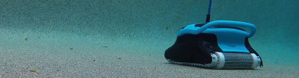 Dolphin Nautilus CC Plus vs Aquabot X4 Robotic Pool Cleaners