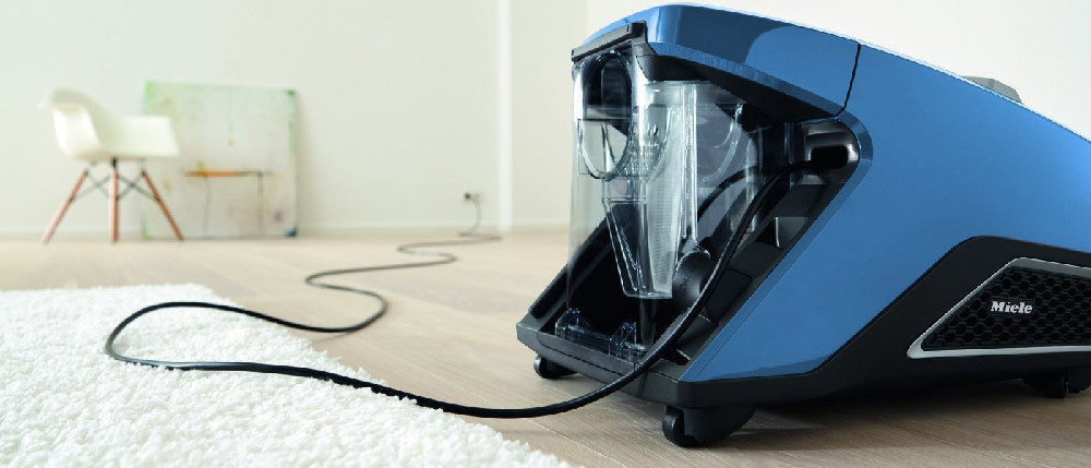 Top 8 Best Bagless Canister Vacuum Cleaners Of 2019 Buying