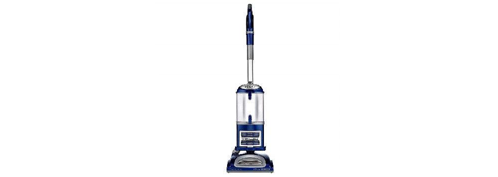 Shark Navigator Lift-Away Deluxe NV360 Upright Vacuum Review