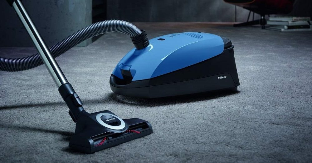 Miele Classic C1 Turbo vs. Miele Compact C1 Turbo: Canister Vacuums