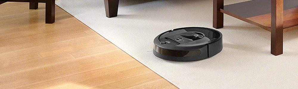 iRobot Roomba i7+ vs Shark IQ R101AE