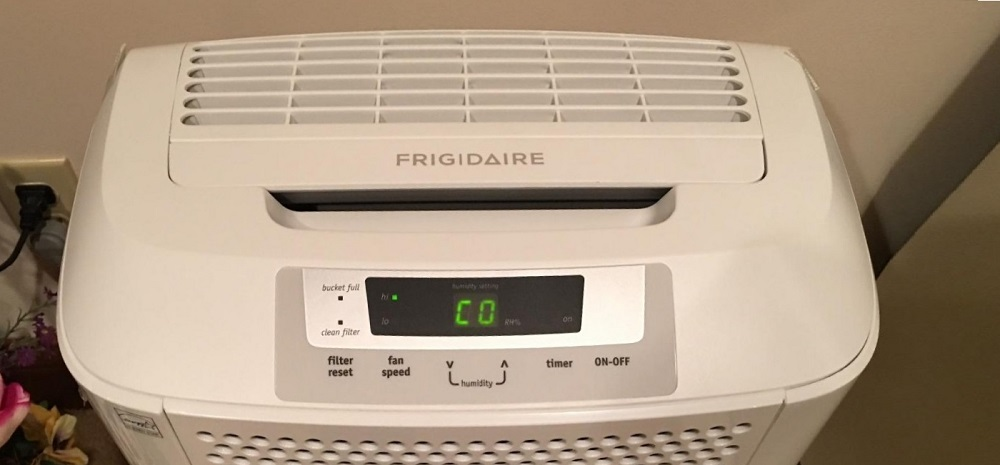Frigidaire FAD301NWDDehumidifier Review