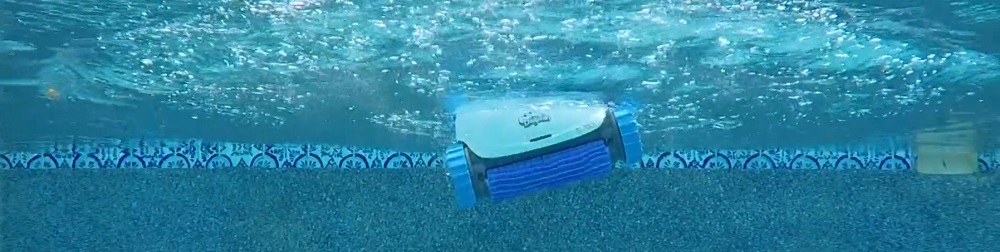 Dolphin S200 vs. Nautilus CC Plus