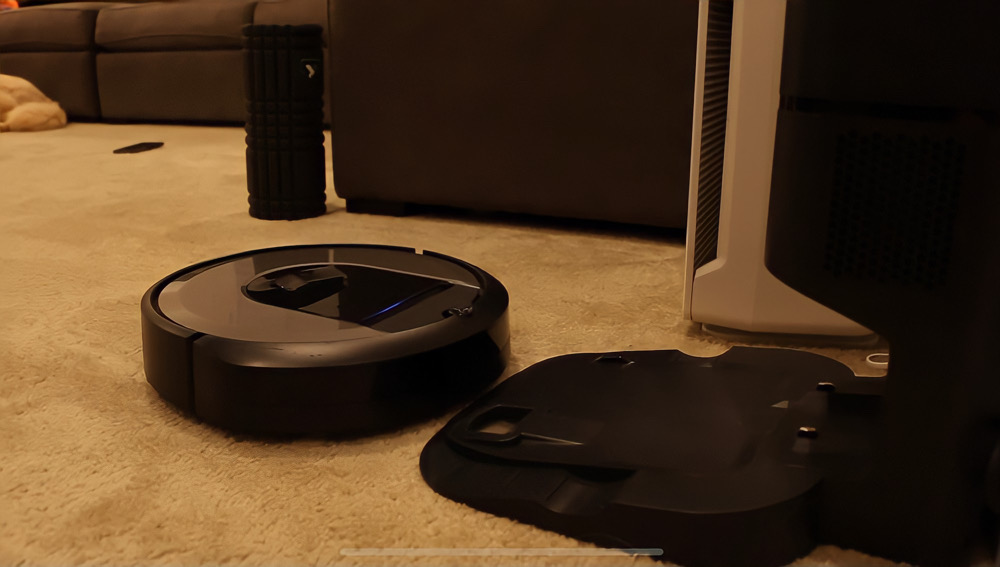 iRobot Roomba i8+ Robot Vacuum Review