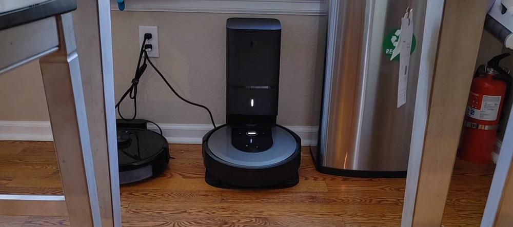 iRobot Roomba i8+ Review
