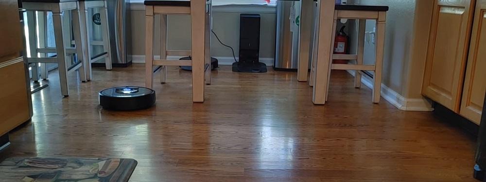 Roomba i8+ Robot Vacuum